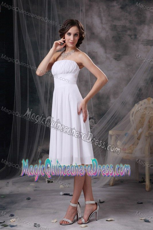 Elegant Ruched Strapless Knee-length Cocktail Dresses For Damas in White