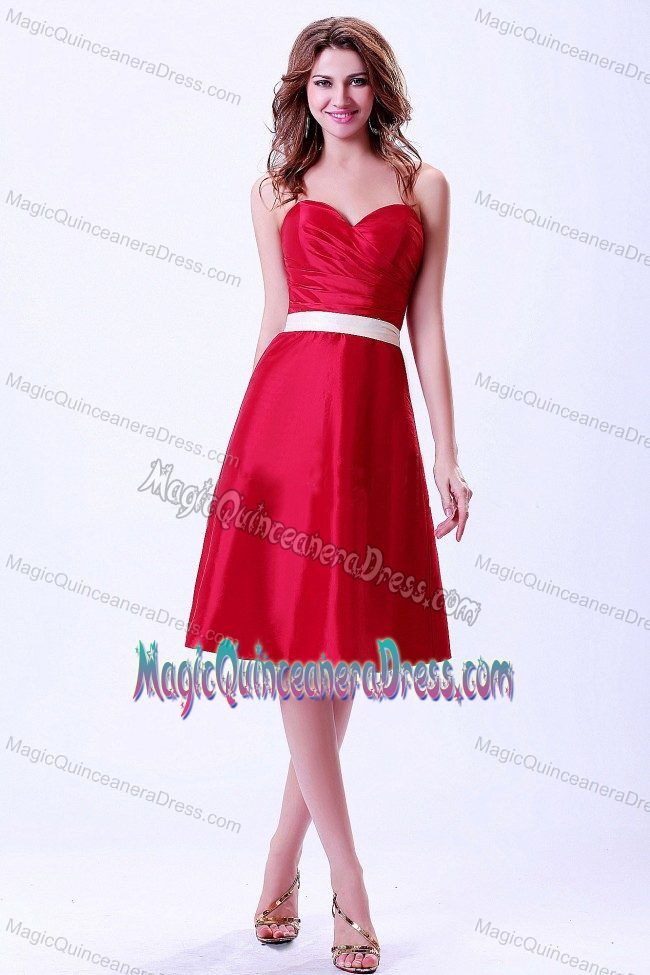 9ec650f792b Beautiful Red Sweetheart Knee-length Quince Damas Dress with White Belt