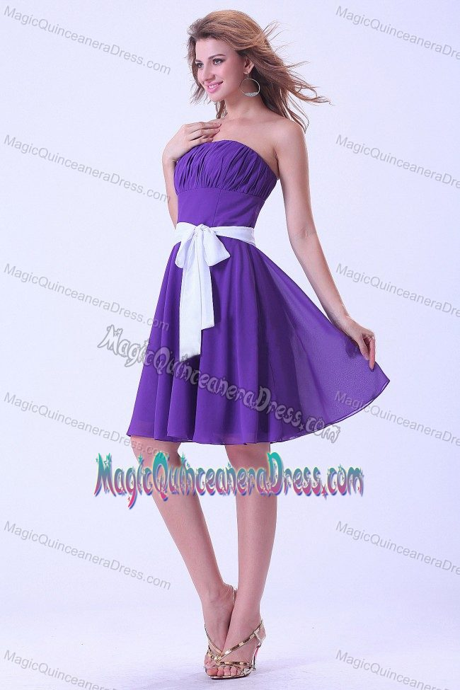 a40c37ccf51 Lovely Ruched Strapless Purple Knee-length Dama Dresses with White Sash