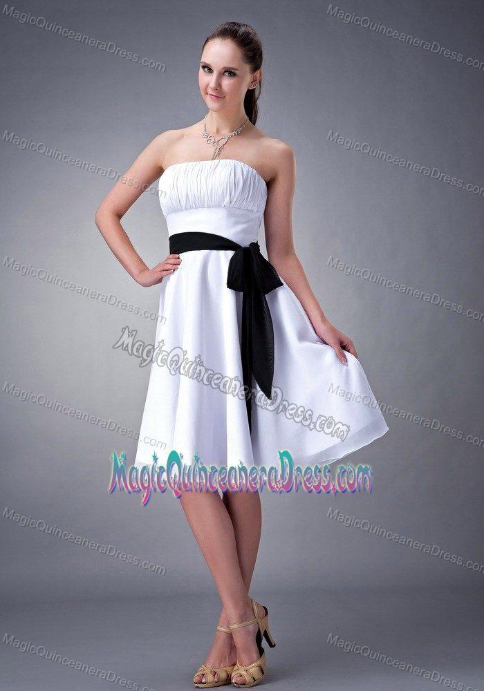 1d5026a488c White Strapless Knee-length 15 Dresses For Damas with Black Sash in Lisle