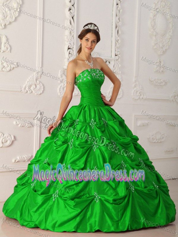 c4667425b39 Embroidery Ruche and Pick Ups Green Quince Dresses in White Salmon