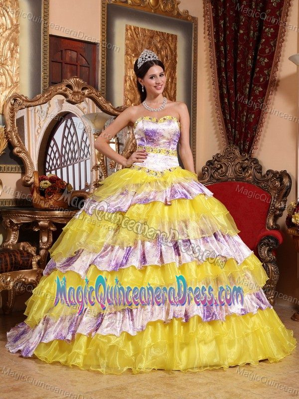 Multi-color Sweetheart Sweet Sixteen Quince Dresses with Beads and Ruffles