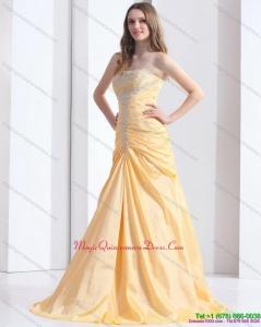 2015 Brush Train Gold Dama Dresses with Ruching and Beading