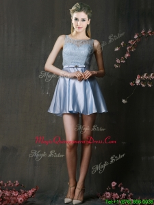 Fashionable Light Blue Short Dama Dress with Lace and Belt