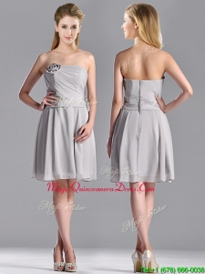 2016 Lovely Empire Strapless Chiffon Grey Dama Dress with Hand Made Flower