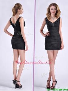 Modest Column V Neck Beaded Black Short Dama Dress