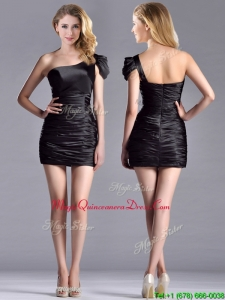 Sexy Column Ruched One Shoulder Black Dama Dress in Taffeta