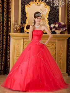 Strapless Floor-length Quinceanera Gown Dresses in Red with Beading and Appliques