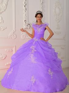 Nifty V-neck Floor-length Taffeta Dresses for Quinceanera in Purple with Appliques
