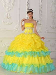 Chic Ruffled Strapless Princess Quinceanera Gown Dress in Yellow with Appliques
