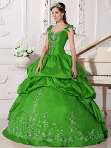 Straps Floor-length Taffeta Dress for Quinceanera in Green with Appliques in Capay