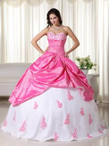 Pink And White Sweetheart Taffeta Quinceanera Dress with Appliques in Garland