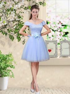 Knee Length Lace Up Quinceanera Dama Dress Lavender for Prom and Party with Lace and Belt