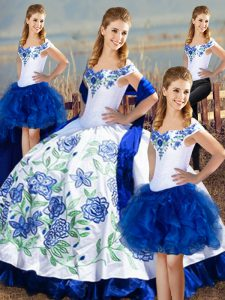 Sleeveless Lace Up Floor Length Embroidery Quinceanera Gowns