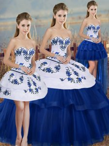 Royal Blue Ball Gowns Embroidery and Bowknot Quinceanera Gowns Lace Up Tulle Sleeveless Floor Length