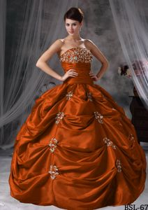 Floor-length Taffeta Appliqued Quinceanera Dress with Pick-ups in Parramatta