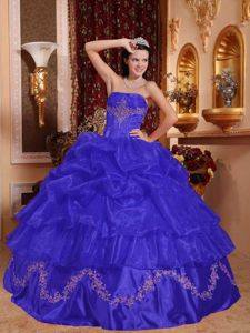Strapless Floor-length Quinceanera Gowns in Blue with Pick-ups and Appliques