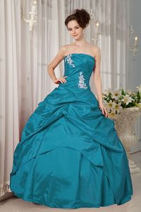 Latest Turquoise Strapless Princess Quinceanera Gown Dress with Appliques