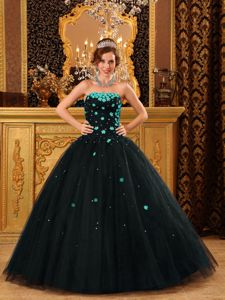 Black Quinceanera Dress with Floral Embellishment in Warnes Bolivia