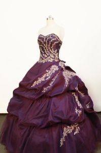 Strapless Purple Pick-ups and Appliques Quince Dress in Envigado Colombia