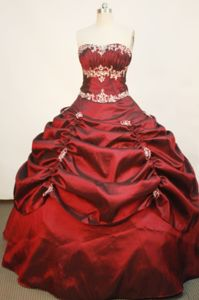 Appliques Strapless Wine Red Pick-ups Quince Dress in Corozal Colombia
