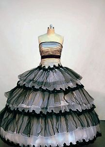 Strapless Black and White Ruffled Layers Quinceanera Dress in Huacho Peru
