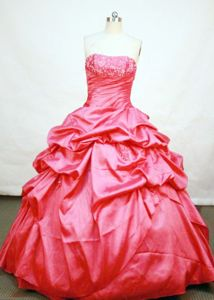 Strapless Red Pick-ups and Ruches Quinceanera Dress in Girardota Colombia