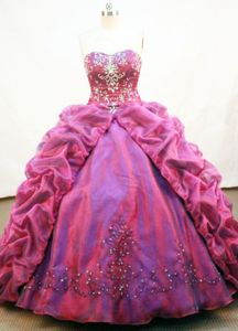Burgundy Strapless Beading Pick-ups Quinceanera Dress in Cajamarca Peru