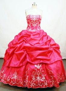 Strapless Appliques and Pick-ups Red Quince Dresses in Arauca Colombia