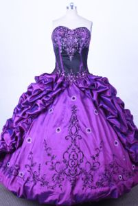 Embroidery Sweetheart Purple Pick-ups Quinceanera Dress in Huancayo Peru