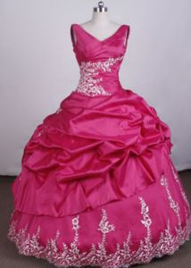 Hot Pink V-Neck Appliques Pick-ups Quince Dress in Ixtapaluca Mexico