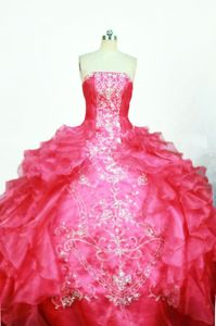 Strapless Embroidery Ruffled Layers Quinceanera Dress in Curitiba Brazil