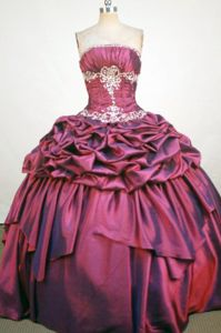 Burgundy Strapless Beading and Appliques Quince Dress in Tampico Mexico