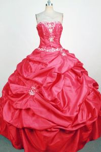 Beading and Appliques Strapless Red Quinceanera Dres in Riberalta Bolivia