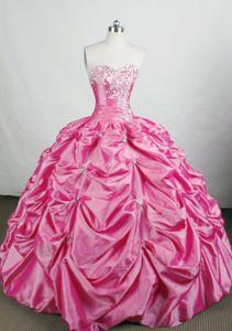 Hot Pink Sweetheart Pick Up Quince Dress in Mettmenstetten Switzerland