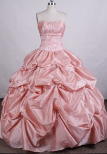 Taffeta Strapless Pick Ups Quinceanera Gowns in Mendrisio Switzerland