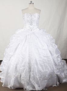 Hombrechtikon Switzerland Strapless Beading White Quinceanera Gowns