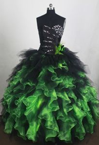 Puffy Black and Green Sweetheart Beading Ruffles Quinceanera Gowns