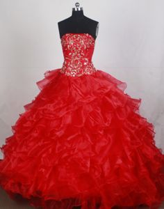 Bettwiesen Switzerland Strapless Appliques Ruffles Red Quinces Dresses