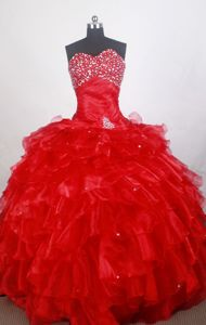 Detachable Red Organza Beading Sweetheart Layers Quinceanera Gowns