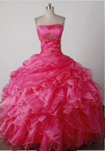 Strapless Hot Pink Beads and Ruffles Style Quinces Dresses in Akron for Beauty