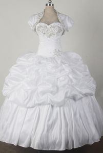 Cheap White Sweetheart Pick-ups and Beadings for Quinceanera Dresses in Camden
