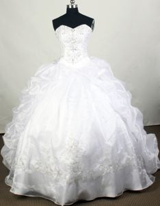 Most Recent Beaded White Ball Gown Quinces Dresses for a Cheap Price