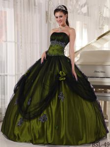 Olive Green and Black Sweet 15 Dress Decorated with Flower and Appliques