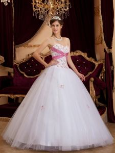 Sweetheart Appliqued White Tulle Quinceanera Gown Dresses near Amery