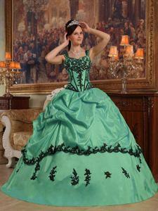 Modest Green Straps Appliques Taffeta Quinceanera Dress in Nacogdoches