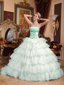 2013 Pure Strapless Appliques White Quinceanera Dress with Detachable Train