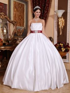 Best Seller White Strapless Quinceanera Dress with Beaded Sashes/Ribbons