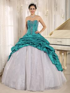 Luxurious Turquoise and White Sweet 15 Dresses With Embroidery and Pick-ups