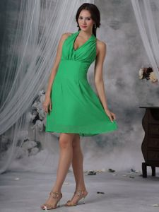 Sexy Halter Green Mini-length Cocktail Dresses For Damas with Ruche in Erie